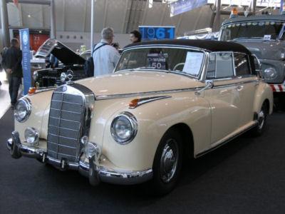 Mercedes_300b_Cabriolett.jpg